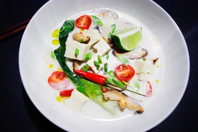 Tom Kha Tofu | @ vivrepourMANGERpourvivre.wordpress.com